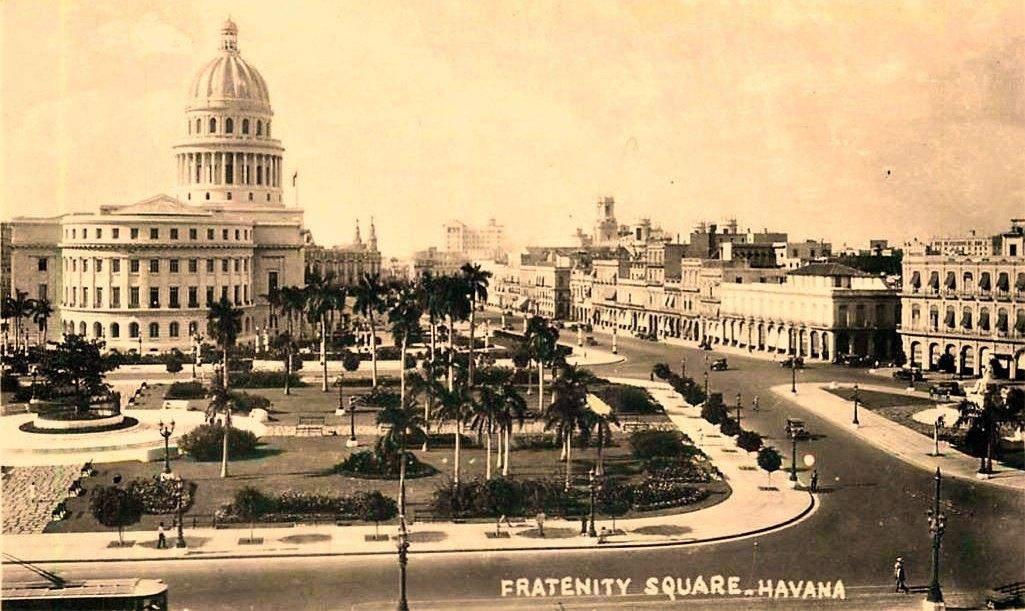 Spacer po dawnej Hawanie i historia słynnych zegarków